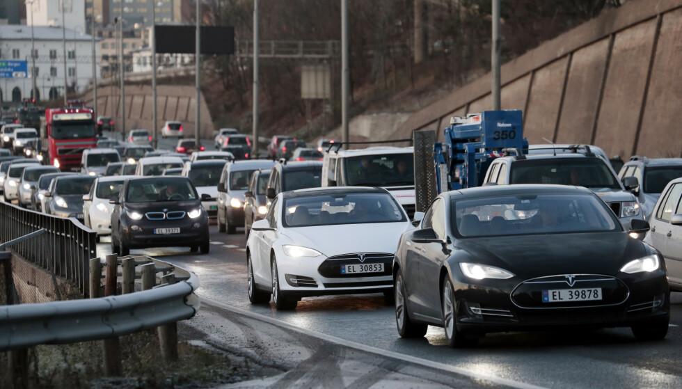 <strong>KJØRING:</strong> Nye tall fra SSB viser at kjøringen med elbiler øker. Foto: Lise Åserud/NTB scanpix