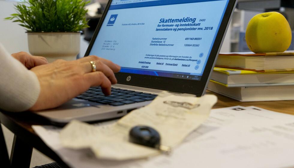 SKATTEMELDING: Du vil blant annet finne noen nye poster i skattemeldingen for 2018, som kommer i begynnelsen av april. Foto: Per Ervland