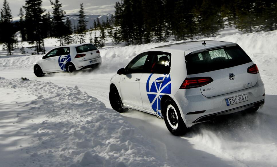 PIGGRI-ANDELEN ØKER: Siden 2001 har antallet som benytter piggdekk på bilen stupt kraftig. Foto: Lasse Allard