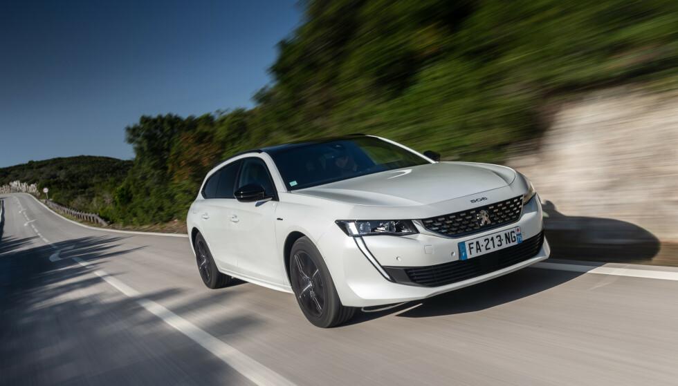 SPORTSLIG: Et sportslig utseende, kombinert med praktisk innhold og en elektrisk rekkevidde på mellom 40 og 50 kilometer, bør gjøre bilen attraktiv i Norge. Foto: Peugeot