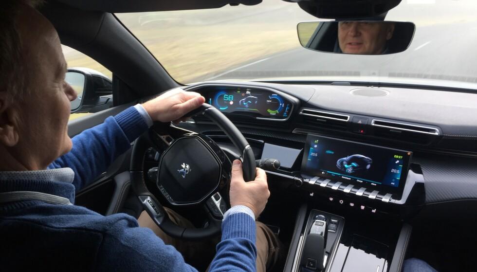FØRSTE TEST: Som første i Norge, har vi prøvekjørt bilen, som kommer til å få en spennende pris. Foto: Stian Gihle