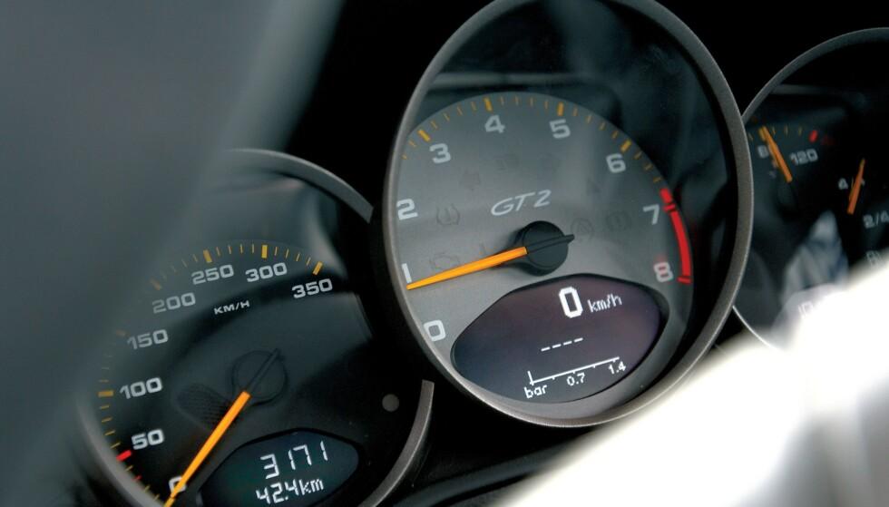 Intelligent hastighetsassistanse: EU vil innføre flere sikkerhetsfunksjoner i nye biler fra 2022. Foto: Evo/Rex/Rex Shutterstock