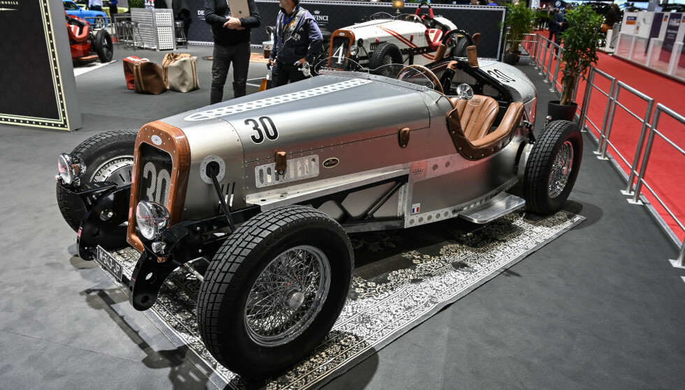 DEVINCI CARS: Den ser ut som noe fra 30-tallet. Men er faktisk en ultra-kul retrobil med elmotor! Foto: Jamieson Pothecary