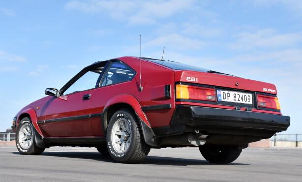 TOYOTA CELINA SUPRA: Ikke alle biler kler hvit dekkskrift. Toyota Celica Supra gjør det. Foto: Stein Inge Stølen