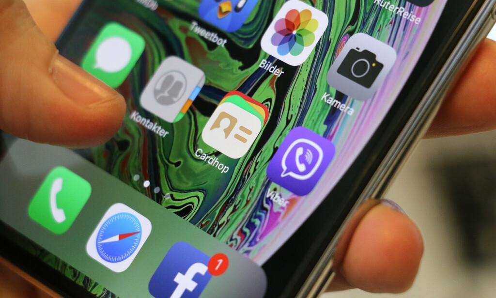 CARDHOP: Mens det virker som Apple har glemt kontakt-appen sin litt, har Flexibits laget et supert alternativ i Cardhop. Foto: Kirsti Østvang