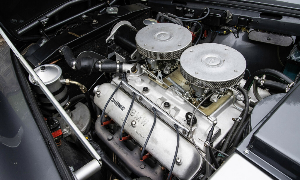 AMCAR: BMW 507 er et av tysk bilindustris virkelige ikoner. Men egentlig ble bilen både født og tegnet i New York. Foto: BMW
