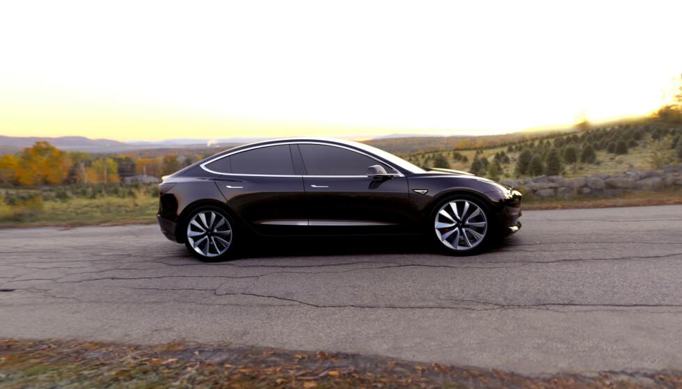 UTBERER FEIL: Mange av feilene som kundene har rapportert om skal allerede være utbedret, ifølge en talsmann for Tesla. Foto: Tesla