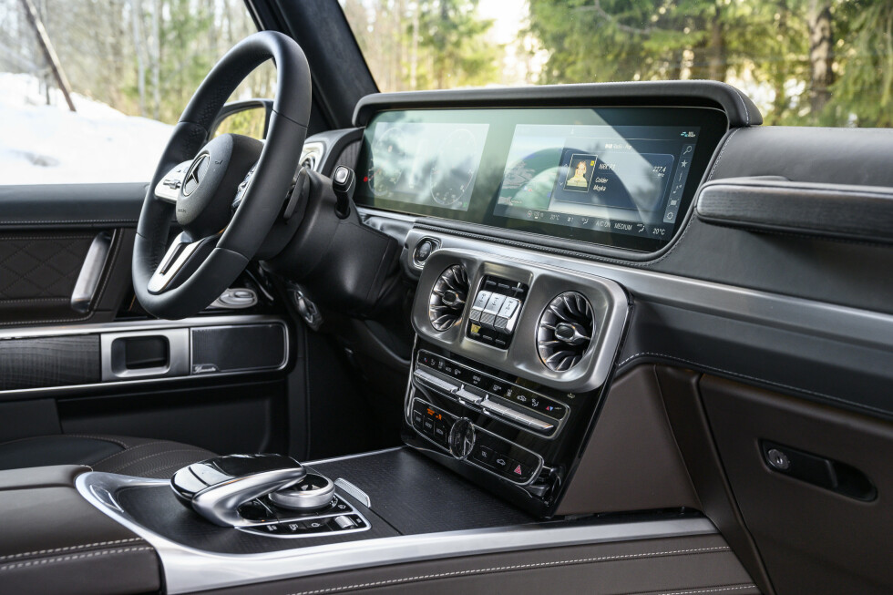RYDDIG: Interiøret er i velkjent Mercedes stil. Foto: Jamieson Pothecary