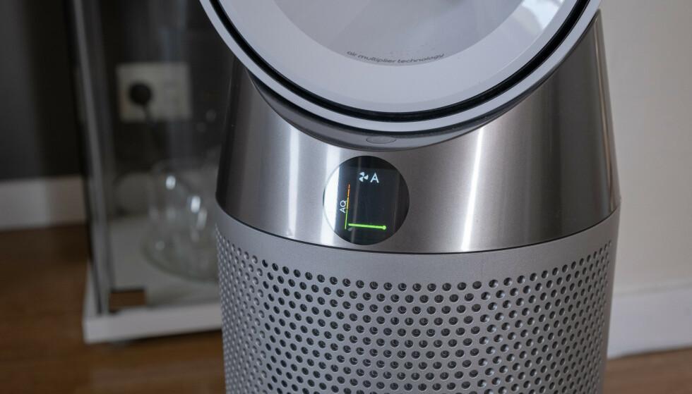 TRE-I-ETT: Dyson Pure Hot+Cool renser luften, varmer den opp og fungerer som vifte når det er varmt ute. Foto: Martin Kynningsrud Størbu