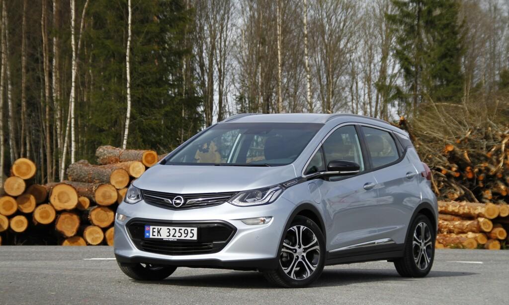 OPP- OG NEDTURER: Det er duket for et nytt kapittel i sagaen om Opels elbil, Ampera-e, egentlig en Europa-tilpasset Chevrolet Bolt med Opel-merke. Foto: Fred Magne Skillebæk