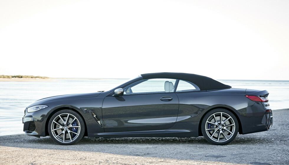 VISUELL BALANSE: Vi synes BMW har lykkes svært godt med proporsjonene. Og taket er forbilledlig enkelt å heve eller senke med et tastetrykk. Foto: Daniel Kraus
