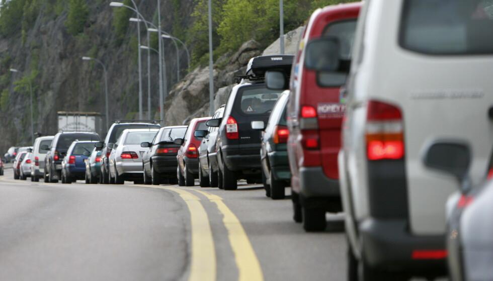 PÅSKEUTFART: Fredag og onsdag er tradisjonelt sett de travleste dagene for påskeutfart, mens 1. og 2. påskedag er de to dagene i påska med den tyngste trafikkonsentrasjonen. Foto: NTB scanpix