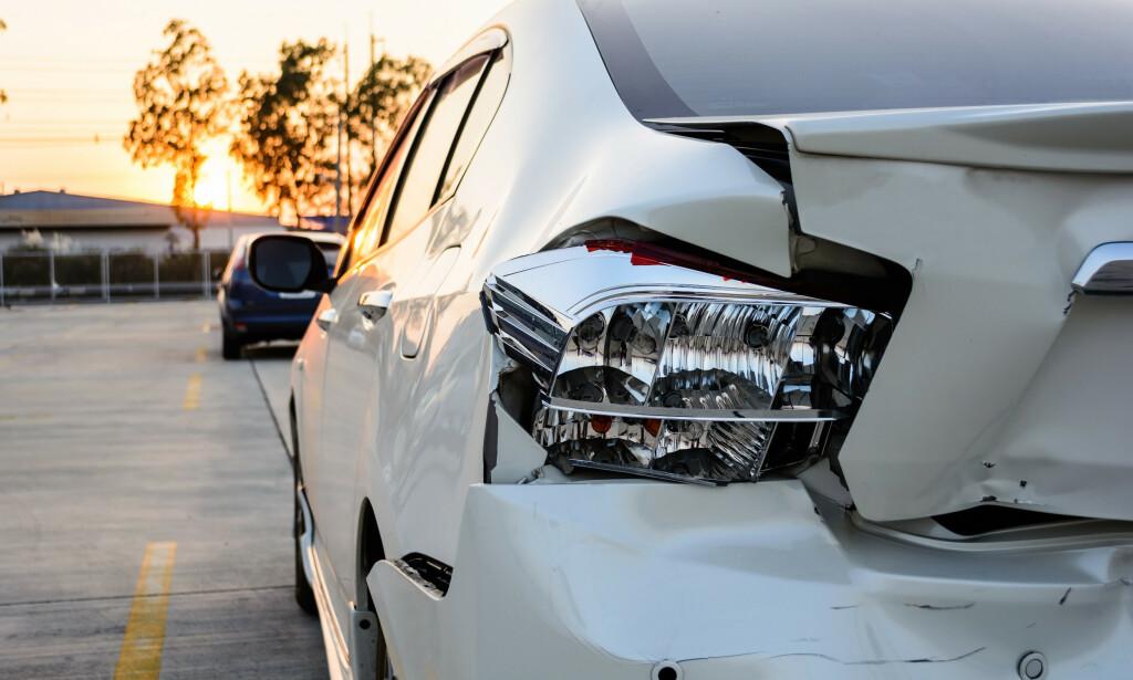 STRESS NED: Antall bulkeskader på fredagen før palmesøndag er 30 prosent høyere enn det som er vanlig på en gjennomsnittsdag. Hundrevis av påkjørsler, gjerne bakfra, ved rygging eller på parkerte biler. Ingen andre dager i påsken er i nærheten av å ha så mange trafikkulykker som bulkefredagen, ifølge forsikringsselskapet Tryg. Foto: NTB scanpix