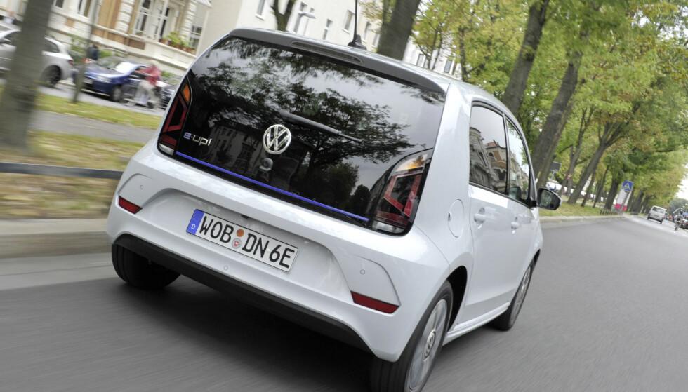 MYE BILLIGERE: VW e-Up! blir nesten. 100.000 kroner billigere i Tyskland enn i Norge. Foto: VW.