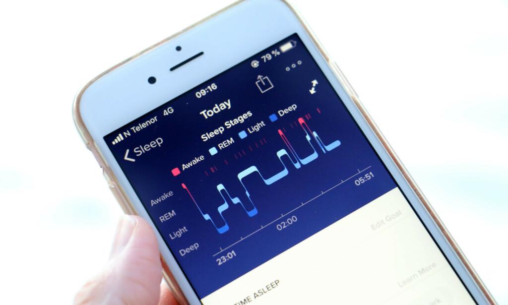 SØVNSTADIENE: Her kan du se hvordan Fitbit viser frem søvninformasjonen i appen sin. Foto: Kristin Sørdal