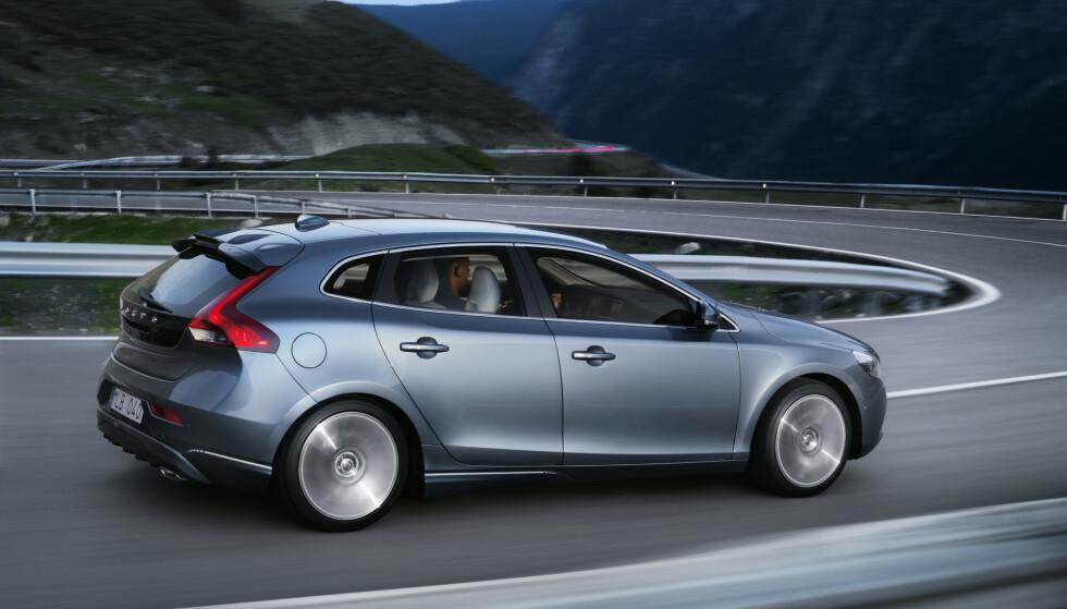 SLUTT: I august er det slutt for Volvo V40 – et forbilde i klassen når det gjelder sikkerhet. Foto: Volvo