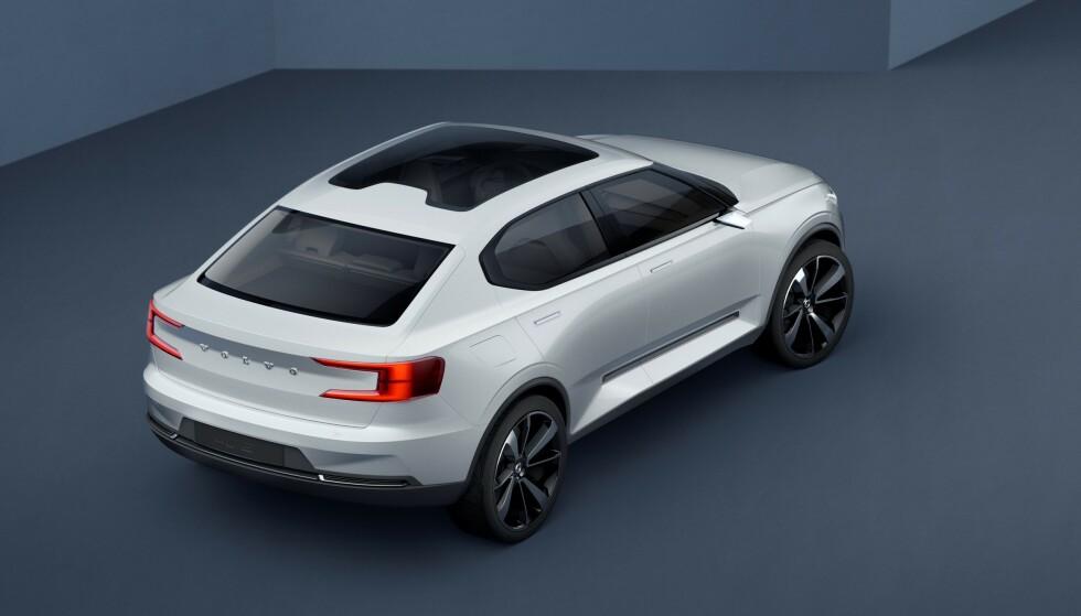 CROSSOVER: Foreløpig er ingenting bekreftet, men etterfølgeren til Volvo V40 blir trolig lik denne konseptbilen, som Volvo viste for tre år siden. Foto: Volvo