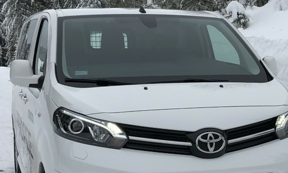 FAVORITT: Toyota Proace tar turen fra Frankrike til Oslo og tilbake til Frankrike, for å få påmontert firehjulstrekk, før den er klar for norske kunder. Foto: Rune M. Nesheim