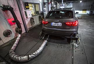 Bilfabrikkene kan få CO2-bøter på 320 milliarder