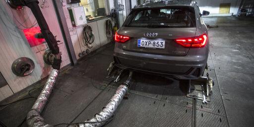 image: Bilfabrikkene kan få CO2-bøter på 320 milliarder