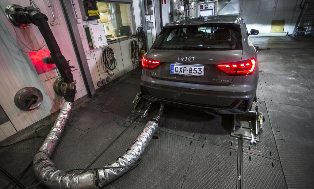 87 MILLIARDER I BOT: VW-gruppen, inkludert Audi, vil få en bot på 87 milliarder kroner dersom utslippene i 2018 legges til grunn. Foto: Markus Penitkainen.