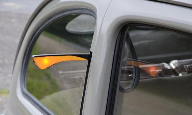 UT MED KJEPPEN: Bobler produsert før 1955 hadde såkalte semafor-blinklys innfelt i B-stolpen. Foto: Stein Inge Stølen