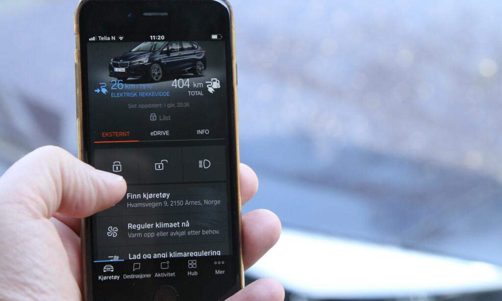 FINNES ALLEREDE: Mange bileiere har en app som kan låse opp bilen, sette på varmen og så videre, men uten at bilen kan startes. Foto: Rune Korsvoll