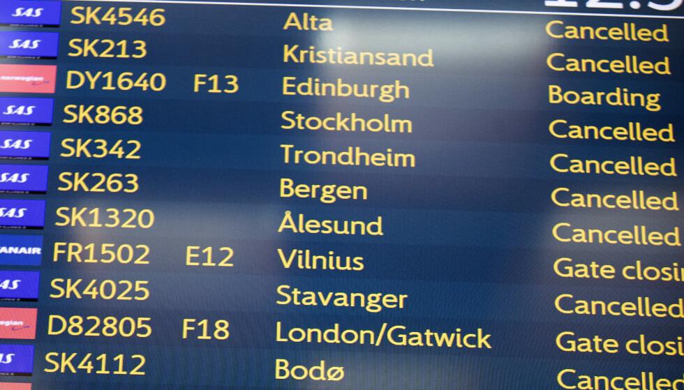 <strong>KANSELLERT:</strong> SAS har satt mange av sine fly på bakken etter at pilotene har gått ut i streik. Flyene er parkert på Gardermoen.   Foto: Terje Pedersen/NTB Scanpix