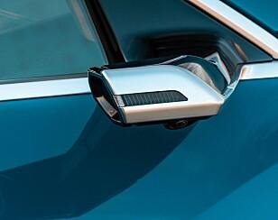 UBÅT? Kameraene på utsiden stikker ut som to små scoop. Foto: Audi
