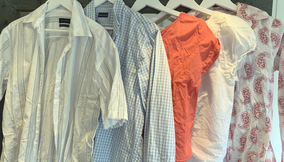FØR: Alle disse skjortene og blusene fikk en runde i tørketrommelen med isbiter. Foto: Kristin Sørdal