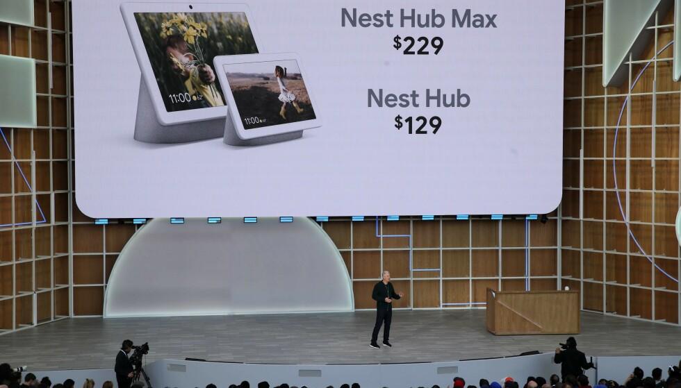 TIL NORGE: Google Nest Hub (tidligere Google Home Hub) blir snart å finne i norske butikker. Foto: Justin Sullivan/Getty Images/NTB Scanpix