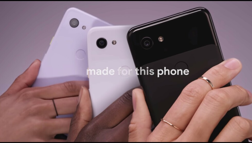TRE FARGER: Pixel 3A og 3A XL kommer i hvit, sort og lilla utgave. Foto: Google/YouTube