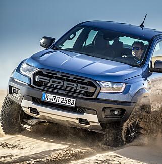 SPORTSLIG: Raptor overrasker med sporty og effektivt hjuloppheng, som nesten var bedre jo fortere det gikk. Foto: Ford