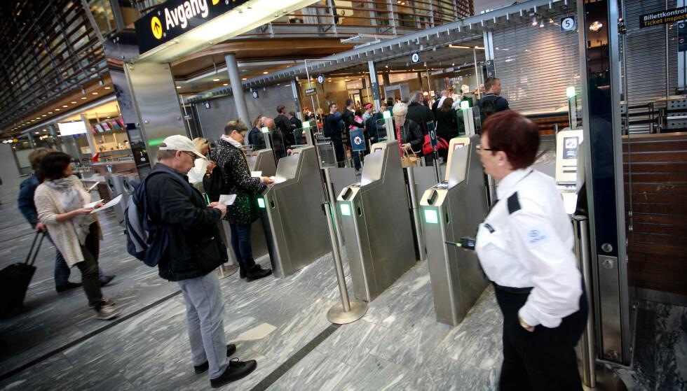 ØKTE PRISER: Passasjertransport med fly har hatt en prisøkning på over 25 prosent fra april i fjor til april i år. Foto: Ole Petter Baugerød Stokke