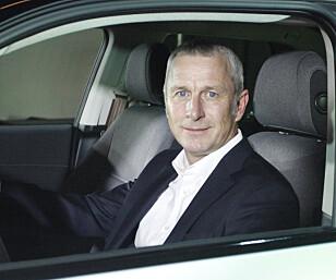 HEMMELIGHETSFULL: Direktør Axel Taebel i Honda Norden sier vi må vente til september, før vi får alle svarene om Honda e. Foto: Øystein B. Fossum