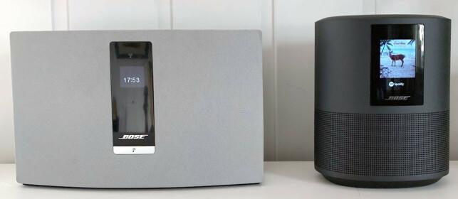 BEDRE DISPLAY: Mens skjermen på Soundtouch 20 (t.v.) kun viser tekst, kan skjermen på Home Speaker 500 vise platecoveret i tillegg. Foto: Bjørn Eirik Loftås
