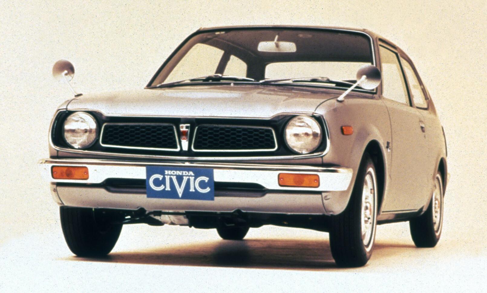 ORIGINALEN: Første generasjon Honda Civic fra 1973 kjørte på bensin. Foto: Honda