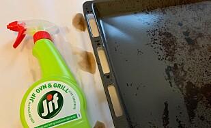 GODT RESULTAT: Jifs ovn- og grillspray gjorde en god jobb med det skitne stekebrettet.