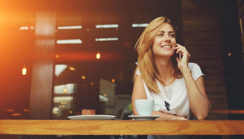<strong>BILLIGERE Å RINGE UTENLANDS:</strong> EU innfører pristak på internasjonale samtaler og tekstmeldinger. Foto: Shutterstock / NTB Scanpix