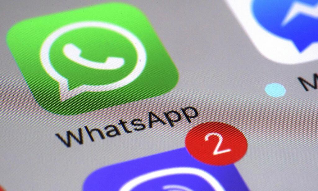 SIKKERHETSHULL: Whatsapp har 1,5 millarder brukere - nå oppfordres alle til å oppdatere appen. Foto: NTB Scanpix