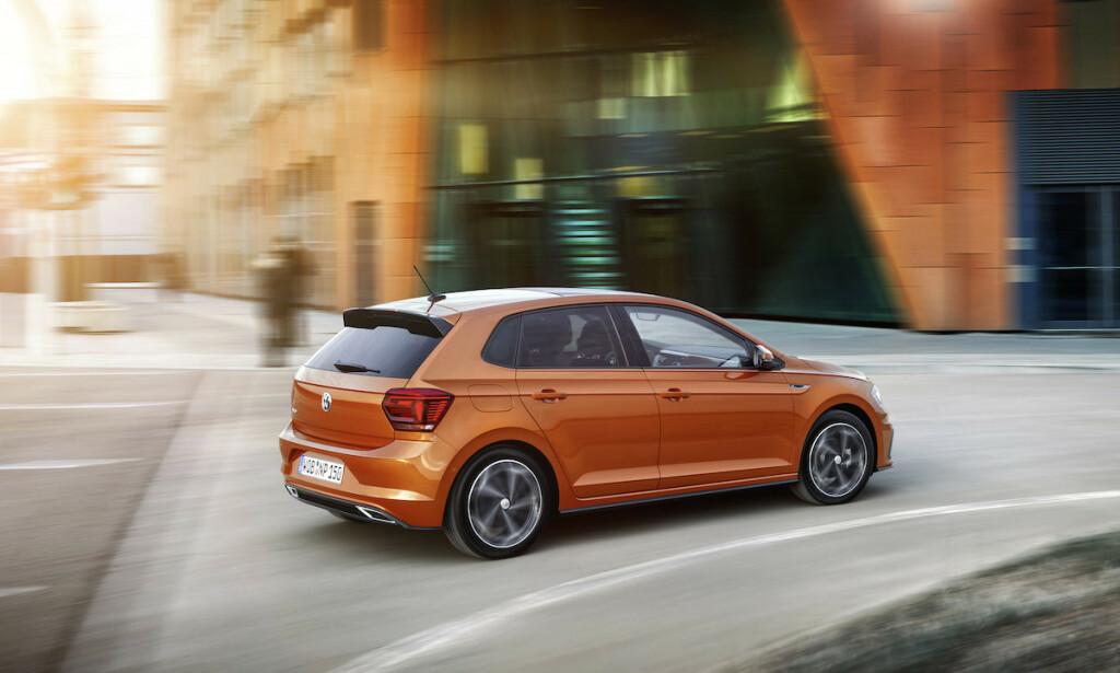 38.000 DYRERE: Kostnadsøkningen på en liten VW Polo kan bli så høy som 38.000 kroner, spår VW-sjef Herbert Diess. Nå kutter VW kostnader for å unngå en tilsvarende prisøkning. Foto: VW