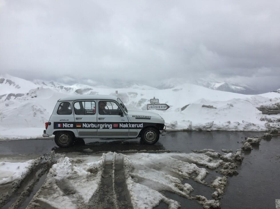 <strong>VINTERBIL:</strong> Vi fikk beskjed om å vente til mai med å hente bilen. Smart, selv om den går på vinterdekk.