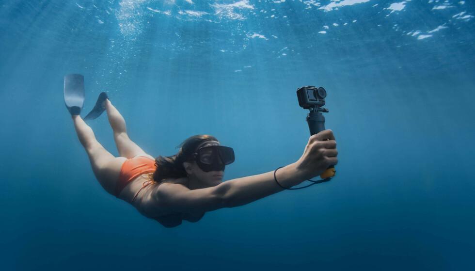 UTFORDREREN: DJI Osmo Action er selskapets første produkt som direkte konkurrerer med GoPros Hero7-kameraer. Blant annet er det vanntett ned til 11 meter. Foto: DJI