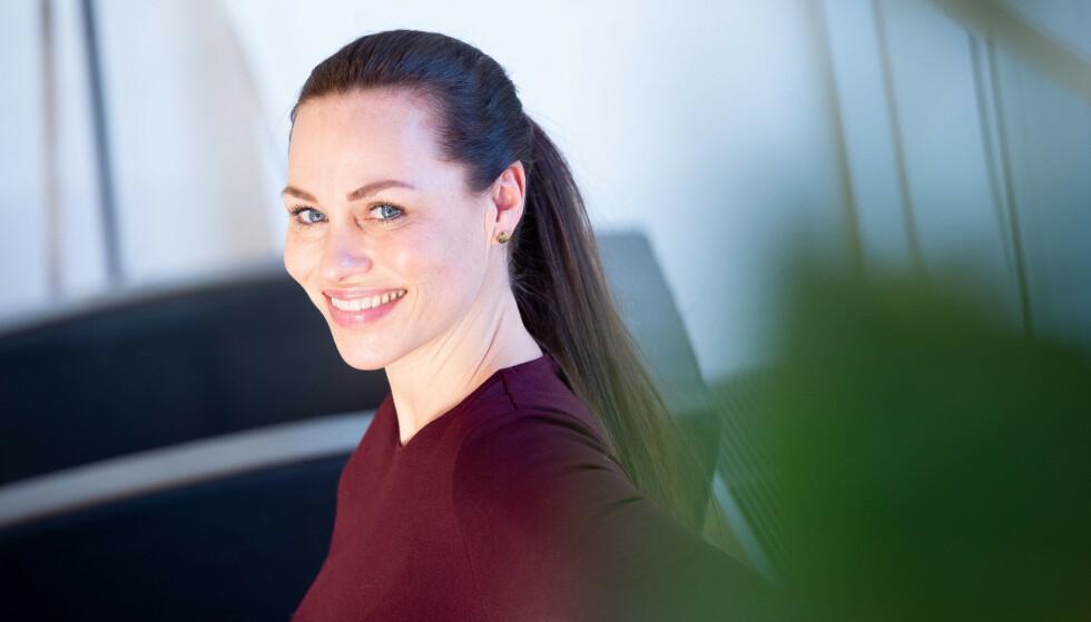 <strong>VIKTIG SAK:</strong> Forbrukerøkonom Cecilie Tvetenstrand i Danske Bank mener at Forbrukerrådets seier over DNB i gruppesøksmålet er viktig, men håper ikke saker som dette skremmer folk fra å spare langsiktig i fond. Foto: Danske Bank.