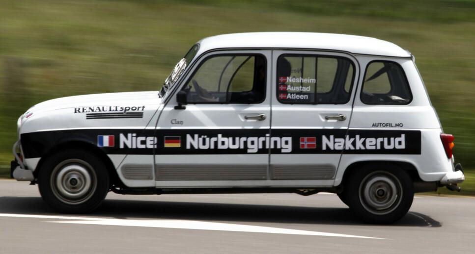 <strong>RENAULT 4 PÅ NÜRBURGRING:</strong> Vi hentet en bil i Nice og MÅTTE teste den på den beryktede Nordsløyfa på vei hjem. Det er første gang jeg har hatt dødsangst av å kjøre for sakte. Foto: Rune M. Nesheim
