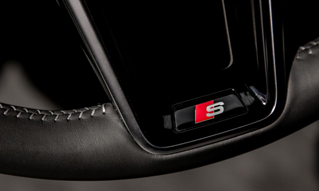 MISTET LITT: Den snirklete bokstaven over rød firkant får ikke hjertet til å banke like hardt som før. S6 og S7 føles mer som en jålete utstyrsvariant - ikke som en anonym råtass, bare kjennerne skjønner hva er. Foto: Audi