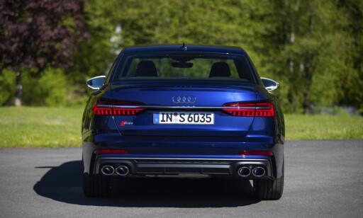 KROM: Man kan velge sort eller sølv finish på S6 og S7. Med sistnevnte blir det mer direktørpreg på vogna. Foto: Audi