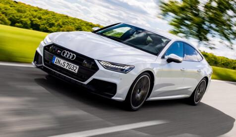 EGEN FRONT: S7 har større luftinntak og egen grilldesign, samt 21-tommere og speilfinish i matt aluminium. Foto: Audi