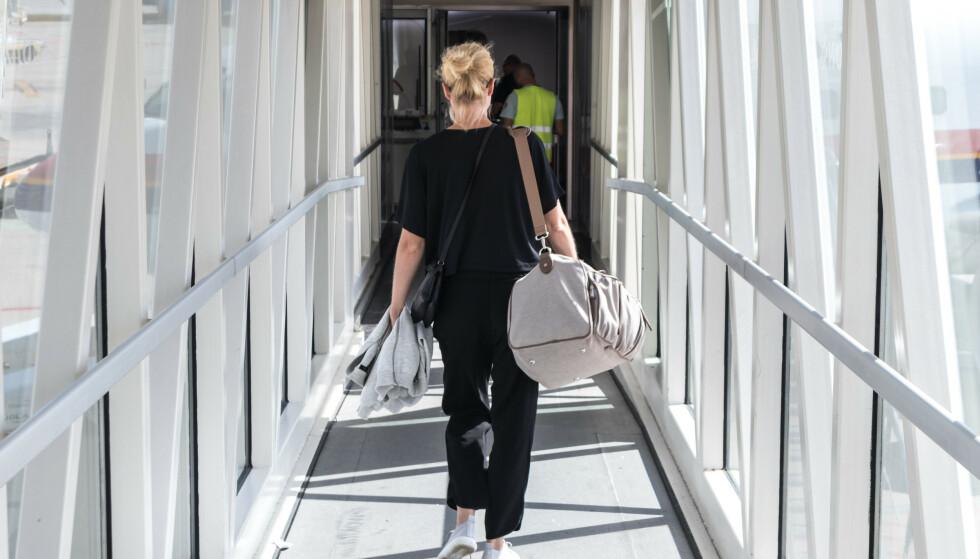 TILLATT HÅNDBAGASJE: Justervesenet mener Norwegian har brukt ulovlige bagasjevekter for å ilegge passasjerer gebyr for overvekt på hpndbagasje. Foto: Shutterstock/NTB Scanpix.
