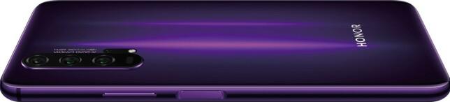 TO FARGER: Honor 20 Pro kommer både i denne sort/lilla-varianten …